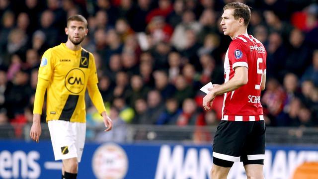 PSV'er Schwaab mocht briefje met tactiek niet lezen van scheidsrechter