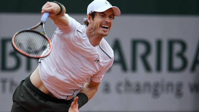 Murray en Wawrinka in drie sets naar achtste finales op Roland Garros