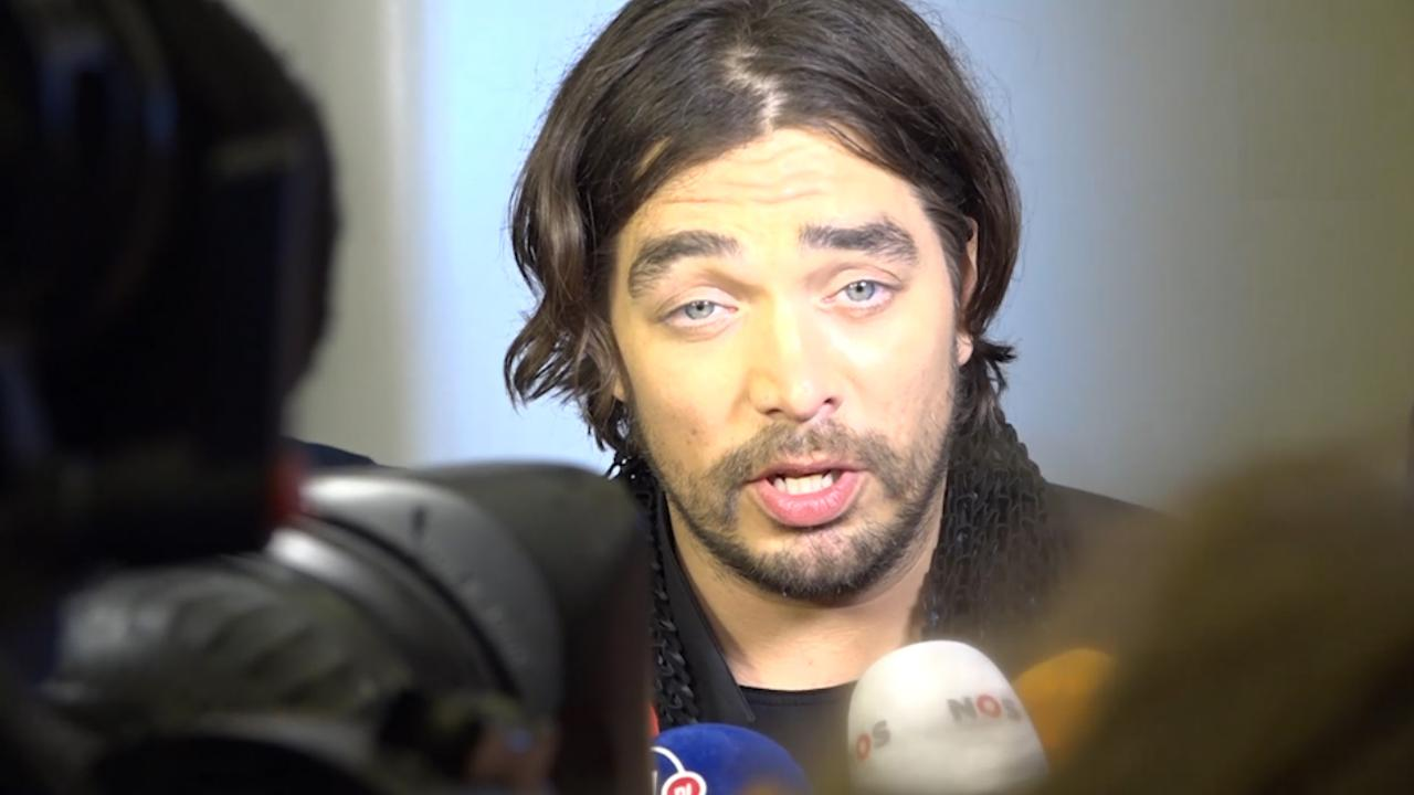 Waylon: 'Bibi stond met zwangere buik te springen'