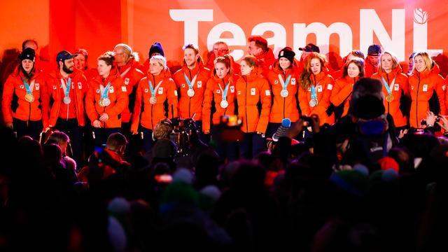 Nederlandse olympische ploeg gehuldigd in Olympisch Stadion