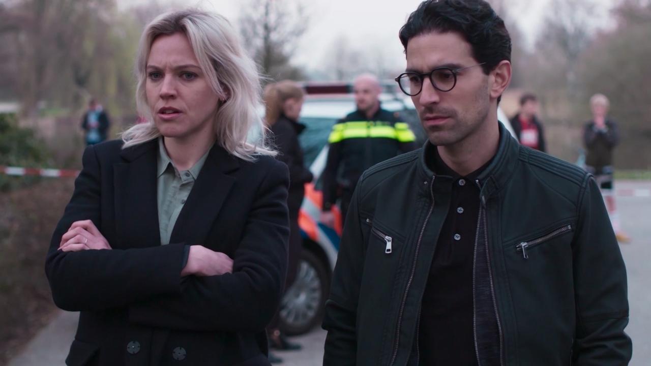 Politieteam onderzoekt mysterieuze moord in aflevering 3 De Vlucht