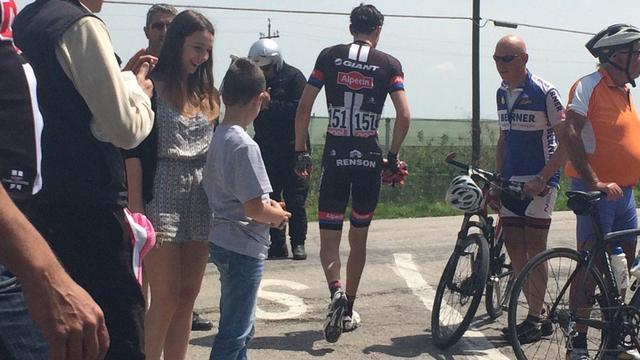 Dumoulin geeft door zitvlakblessure op in elfde etappe Giro d'Italia