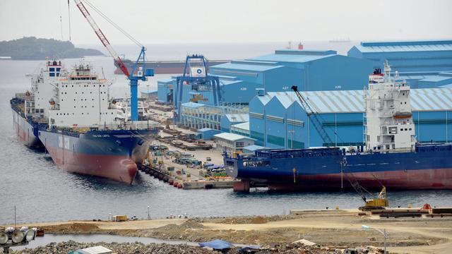 'Rederij Hanjin zet twee containerschepen in de verkoop'