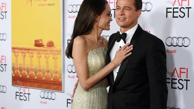 'Angelina Jolie denkt dat Brad Pitt agressieproblemen heeft'