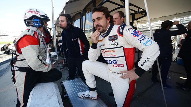 Alonso blijft steken op 38e plaats bij debuut 24 uur van Daytona