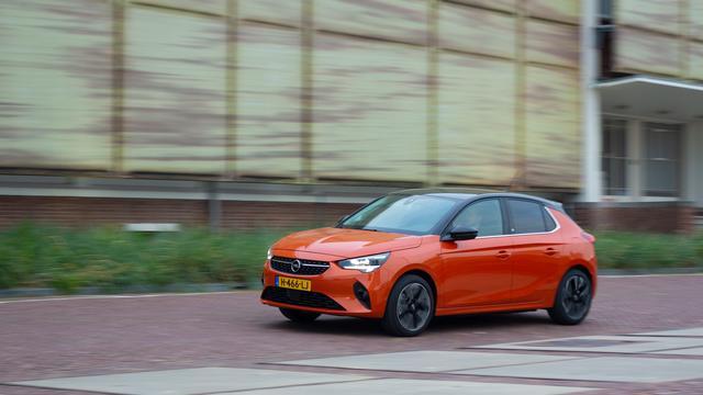 Op papier is een elektrische Corsa 12.500 euro duurder dan een benzineversie. Klopt dat wel helemaal?