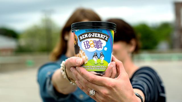 Oprichters ijsmerk Ben & Jerry's opgepakt bij protest