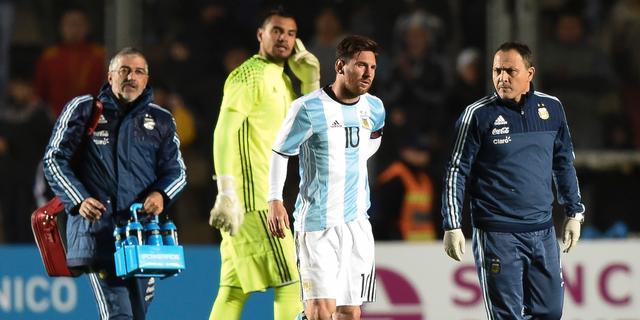 Messi valt geblesseerd uit tijdens oefenduel Argentinië
