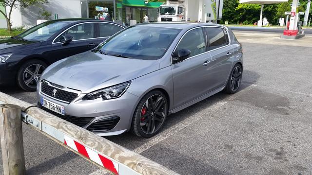Peugeot ziet winst verdrievoudigen