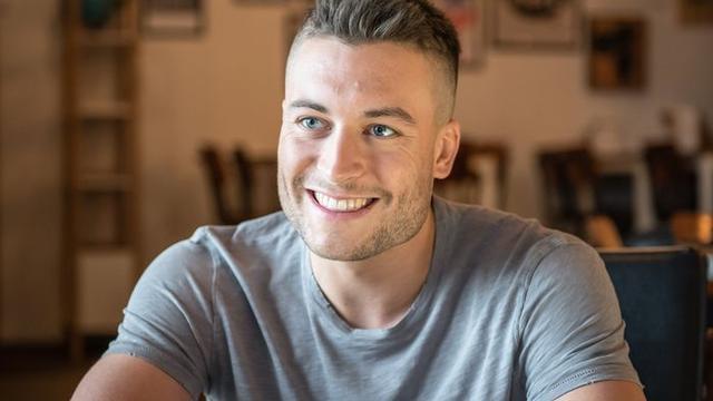 Viktor Verhulst gewond geraakt bij ernstig auto-ongeluk