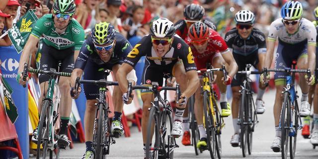 Dumoulin behoudt leiding in Vuelta, Degenkolb geklopt in sprint