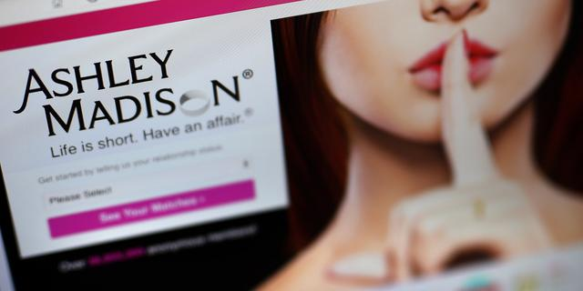 Directeur datingsite Ashley Madison stapt op na hack