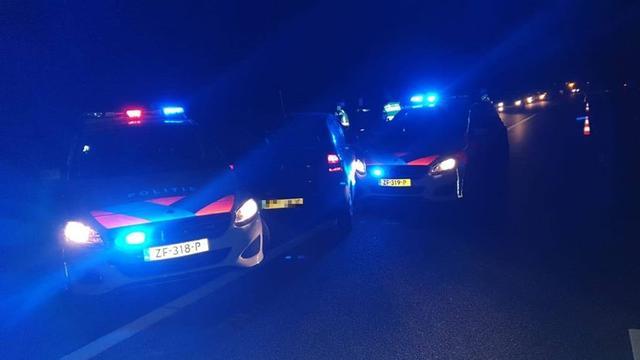 Bestuurder (19) onder invloed van lachgas rijdt in op politieauto Boxmeer