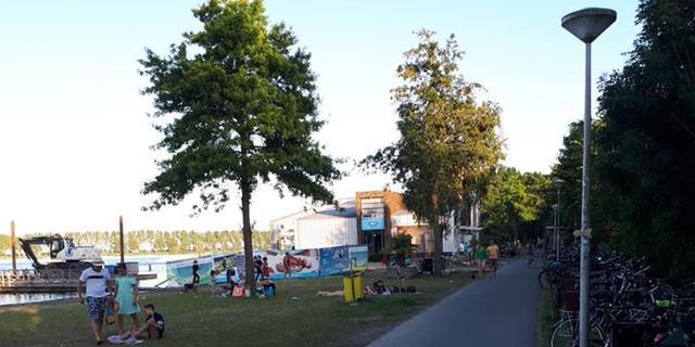 Politie bekeurt vijf mensen tijdens warme zomerdag aan Zegerplas