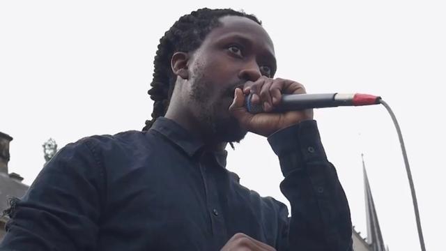 OM haalt officier van andere racismezaak na ophef seponeren zaak-Akwasi