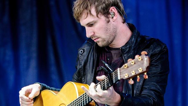 Voormalig gitarist Owl City aangeklaagd om seksueel contact tienermeisje
