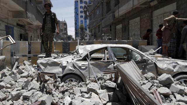 'Zes doden bij luchtaanval op presidentieel paleis Jemen'