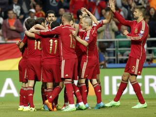 Zwitserland komt terug van 2-0 achterstand en wint in blessuretijd van Slovenië