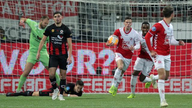 FC Utrecht pakt na ruime achterstand alsnog punt bij Excelsior