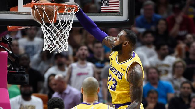 LeBron James heeft begrip voor kritiek Lakers-iconen Johnson en Bryant
