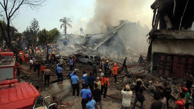 Tientallen doden bij crash militair vliegtuig in woonwijk Indonesië
