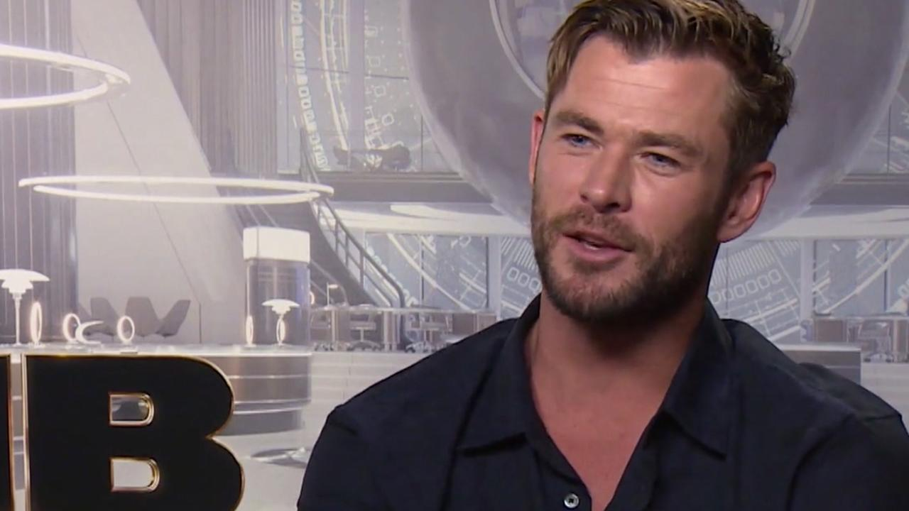 Chris Hemsworth vindt opvolgen Will Smith in MiB 'zenuwslopend'