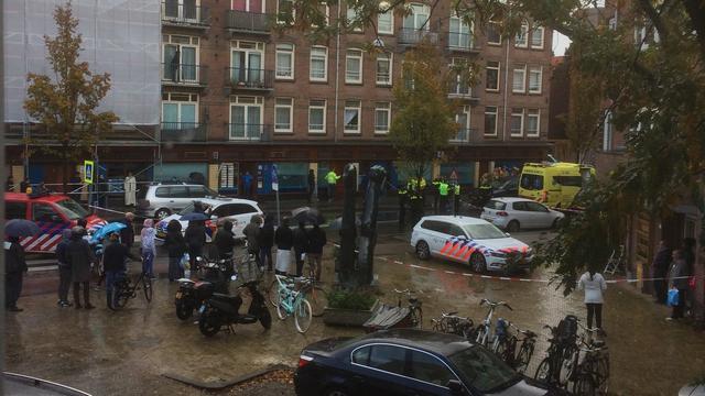 Automobilist rijdt door na dodelijk ongeval met voetganger in Amsterdam