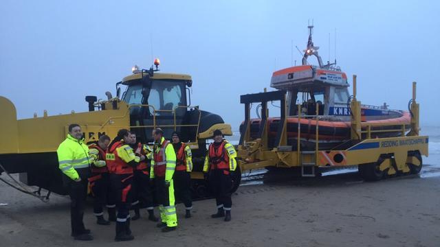 Eerste delen neergestort sportvliegtuigje voor kust Petten geborgen