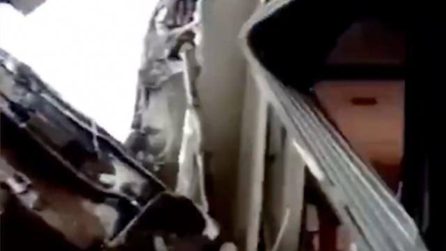 Omstanders halen mensen uit ontspoorde trein Marokko