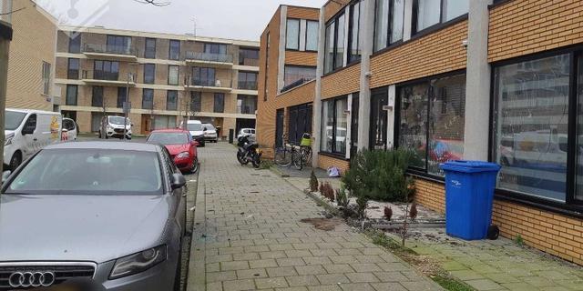 Explosief ontploft op straat in Rotterdam, zeven woningen beschadigd