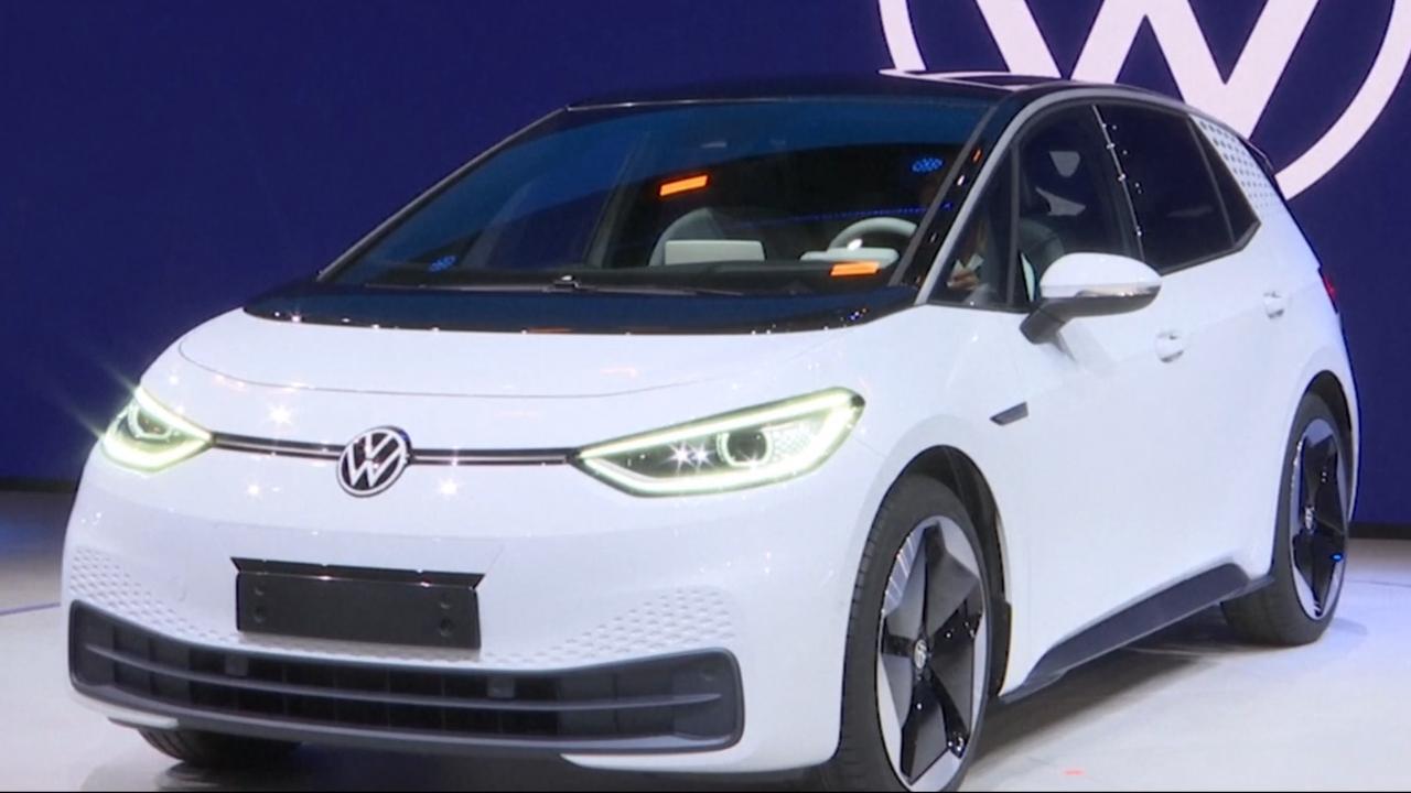 Volkswagen onthult eerste elektrische auto voor massaproductie