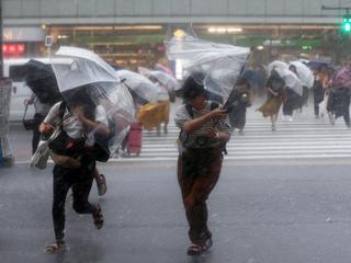 Regen en hevige wind zorgen voor problemen in Japan