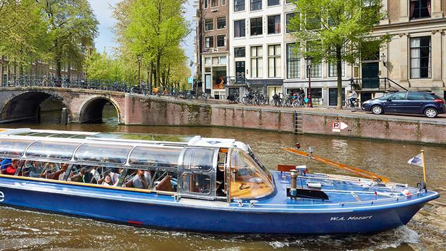 'Amsterdam trekt minder buitenlandse toeristen'