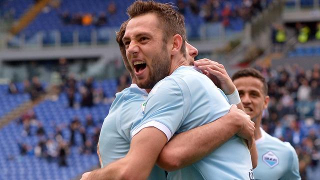 De Vrij verlaat Lazio en tekent voor vijf jaar bij Internazionale