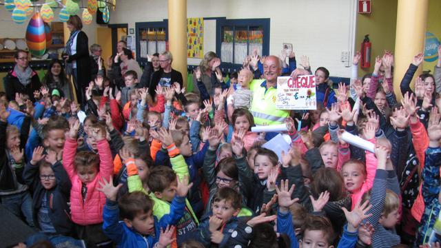 Scholieren Zonnebloem klussen 800 euro bijeen voor EHBO Zundert