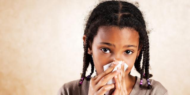 Slob neemt 'snottebeladvies' OMT over: Houd kind ook thuis bij milde klachten