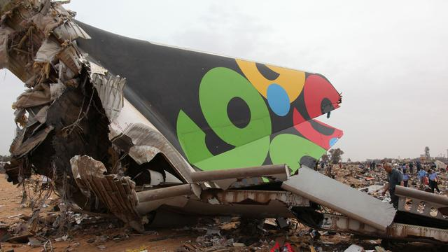 Terugblik: De vliegtuigcrash in Tripoli in vier video's