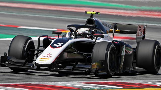 De Vries behoudt leiding in Formule 2 ondanks tiende plek in Frankrijk