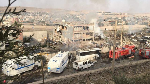 Doden na explosie bij hoofdbureau politie in Zuidoost-Turkije