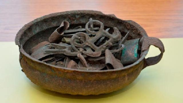 Duitse politie vindt 3.100 jaar oude bronzen schat bij huiszoeking