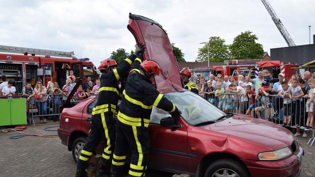 Grote belangstelling voor brandweer Etten-Leur tijdens Open Dag