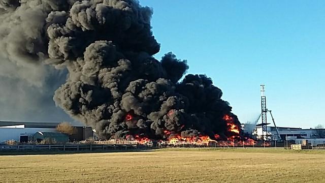 Brand bij groothandel kunststoffen in Waalwijk onder controle