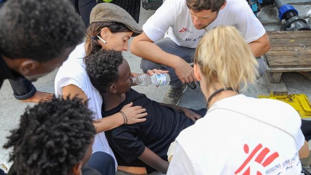 Straks live: NGO's praten pers bij over aankomst Aquarius in Malta
