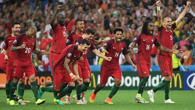 Portugal bereikt halve finales EK na strafschoppen tegen Polen