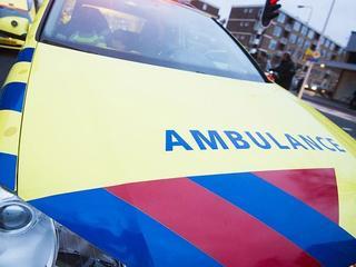 Slachtoffer met verwondingen naar ziekenhuis gebracht