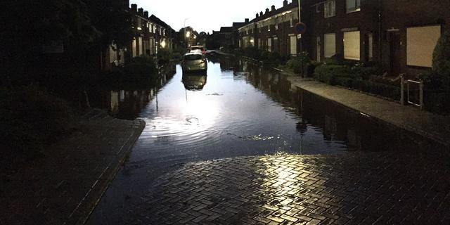 Noodweer zorgt voor wateroverlast en verkeersproblemen