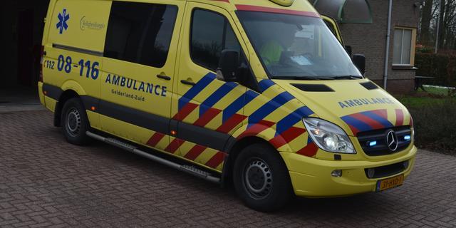 Twee opzittenden van quad raken gewond bij ongeval op Tramsingel