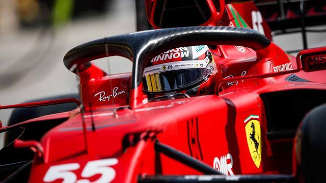 Carlos Sainz liet in de tweede vrije training in Bahrein de vierde tijd noteren.