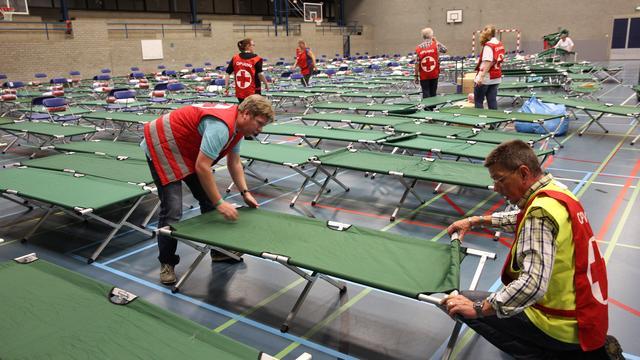 Rode Kruis zoekt vrijwilligers in grote steden bij hulp vluchtelingen