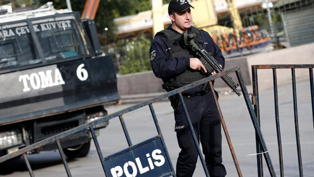 Turkse directeur Amnesty International blijft langer vastzitten